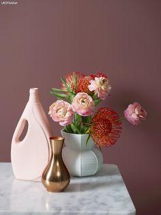 Vår fargesjef, Lisbeth Larsen, viser deg her vårens farger fra LADY. Ta en titt på de vakre fargene. Hvilke passer best hjemme hos deg?
