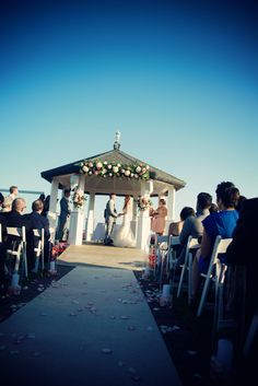 1000 images about outdoor wedding ceremony at land 39 s end for Beach weddings in ny