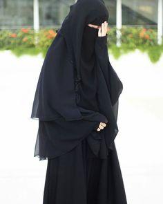 Niqab Fashion, Muslim Fashion, Bollywood Fashion, Arab Girls Hijab, Muslim Girls, Hijabi Girl, Girl Hijab, Beautiful Muslim Women, Beautiful Asian Girls
