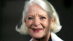 """Die Schauspielerin Elisabeth Wiedemann ist in der Nacht zu Mittwoch (27.05.2015) im Alter von 89 Jahren im bayerischen Marquardtstein gestorben. Als Ekel Alfreds dusselige Ehefrau Else in """"Ein Herz und eine Seele"""" wurde sie in den 70er Jahren zum Publikumsliebling. Bildrechte: dpa/Hanschke"""