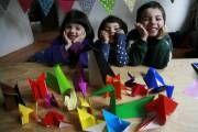 Avantages pour les enfants de lorigami http://fr.origami-kids.com/comment-faire/avantages-pour-les-enfants-de-lorigami.htm  Avantages pour les enfants de lorigami  Bien que ses origines remontent à la Chine lan 100 après JC doù il est allé au Japon dans le septième renommage de siècle comme Origami pliage de papier il est pas étranger à La France. On dit que cet art est venu à lEurope dans les mains des Arabes mais dans notre pays a eu une influence significative peut-être parce que le…