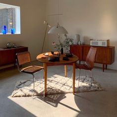 Home Interior, Interior Decorating, Interior Design, Interior Colors, My Living Room, Home And Living, Home Decor Instagram, Classic Home Decor, Aesthetic Rooms