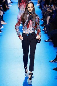 Elie Saab Fall Fall 2016 Ready-to-Wear Fashion Show  Défilé prêt-à-porter automne 2016 #mode
