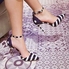 House of Herrera heels. #bagsandshoes #blogger #couture #fashionblogger #fblogger #fbloggers #hautecouture #heels #instaglam #instagood #instafashion #jewelry #luxury #moda#mode #nycblogger#pumps#purseaddict#purses#shoeaddict#shopping#