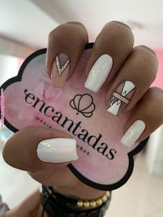 What Christmas manicure to choose for a festive mood - My Nails Love Nails, Pink Nails, My Nails, Best Acrylic Nails, Acrylic Nail Designs, Stylish Nails, Trendy Nails, Long Square Nails, Silver Nails
