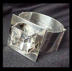 Mirjam Salminen, Finland: sterling and rock crystal cuff Old Jewelry, Silver Jewelry, Unique Jewelry, Handmade Bracelets, Cuff Bracelets, Best Diamond, Steam Punk, Scandinavian Design, Wearable Art