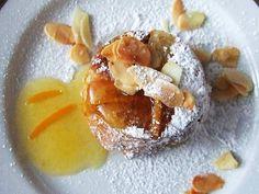 Sformatini morbidi di pandoro e pere con salsa all'arancio