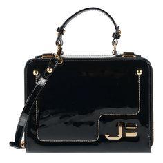 Bolsa box em couro verniz preto com textura de zebra e aplicação de metais…