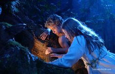 Peter Pan - Publicity still of Rachel Hurd-Wood & Jeremy Sumpter