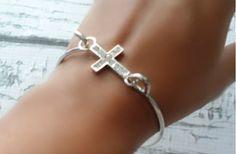 GroopDealz | Cross Bracelet in Silver or Gold!