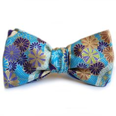 Pajarita Haiku bow tie - Wood and Rain handcrafted bow ties made in japanese cotton by Kokka #pajaritas #bowties