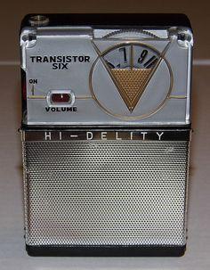 Vintage Hi-Delity 8-Transistor Radio, Model 8T-888, Made in Japan, Reverse Paint.