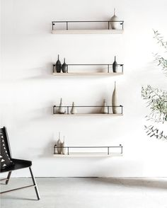 174 vind-ik-leuks, 9 reacties - Croft House (@crofthousela) op Instagram: 'Encinitas Shelves in Bone + Latigo Chair, Los Angeles. . . #art #architecture#adstyle…'
