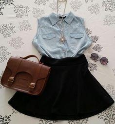 d4b1e9f54 Saia rodada godê cintura alta preta + colete jeans + colar com pedraria +  oculos escuros redondo + bolsa croisfelt satchel carteiro feminina em couro  ...