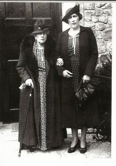 Pss Beatrice of england and daughter Queen Victoria Eugenia of Spain.