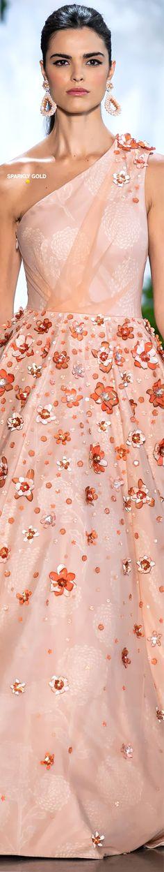 Dennis Basso  Spring 2020 RTW | Sparkly Gold  彡 Dennis Basso, Fashion Show, Fashion Design, Women's Fashion, The Blushed Nudes, Just Peachy, Ermanno Scervino, Floral Fashion, Cynthia Rowley