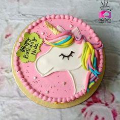 Diy Unicorn Cake, Unicorn Cake Pops, Unicorn Party, Unicorn Cake Design, Pretty Cakes, Cute Cakes, Little Pony Cake, 4th Birthday Cakes, Diy Cake