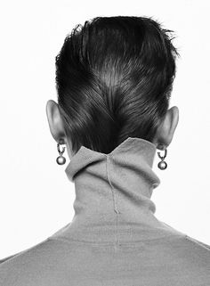 Harper's Bazaar Netherlands November 2018 Lina Hoss by Zoltan Tombor - Fashion For Women İdeas Jewelry Editorial, Editorial Fashion, Editorial Hair, Beauty Editorial, Harpers Bazaar, Jewelry Photography, Editorial Photography, Photography School, Travel Photography