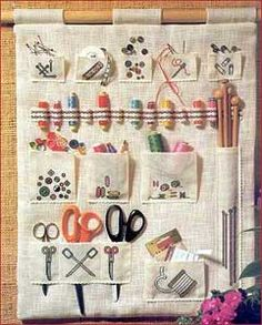 hanging sewing kit...hmm, I need to make something like this for my craft room.