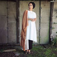 dina tokio style - Google Search Street Hijab Fashion, Tokyo Fashion, Women's Fashion, Islamic Fashion, Muslim Fashion, Modest Dresses, Modest Outfits, Dina Tokio, Hijab Fashionista