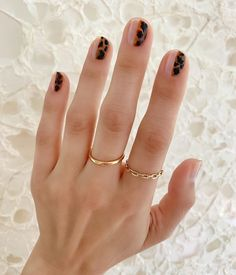 Make an original manicure for Valentine's Day - My Nails Diy Nails, Cute Nails, Pretty Nails, Marble Nails, Acrylic Nails, Colorful Nail, Little Presents, Minimalist Nails, Nail Games