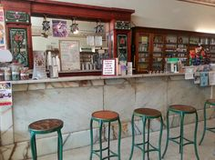SHOP // Lock Drugs - enjoy sweet cold treats from the old-fashioned soda fountain! // Bastrop, Texas