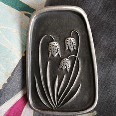 Modern flower Broach Sweet Vintage broachhas the look of a piece from 50's or 60'sSigned by R. Landerholm  three small crowns TENN  made in Sweden  pewter Jewelry