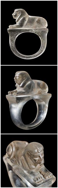 RARE EGYPTIAN ROCK CRYSTAL SPHINX RING - NEW KINGDOM. RAMMESSIDE PERIOD, 19TH-20TH DYNASTY, 1295-1069 BC.
