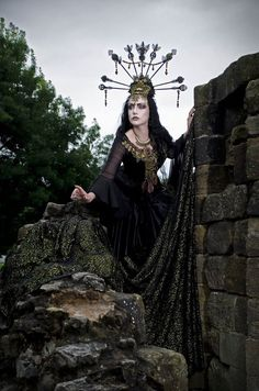 altfashionofficial:    A stunning photo of our End of year poll winner Lady Amaranth modelling for Faerie Tale Gothic.  Model: Lady Amaranth Headdress: Faerie Tale Gothic | http://ift.tt/2o7Th77    Alt Fashion | http://ift.tt/2dJL7xS   reblogged with tintum.