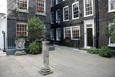 Georgian buildings, Pickering Place, St. James's Street, London, England