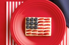American Flag Dessert from snackpicks.com ~ perfect for July 4th and Memorial Day parties  #RedWhiteBlue