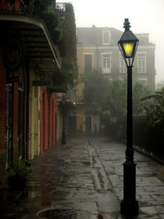 Pirates Alley, New Orleans photo via armani