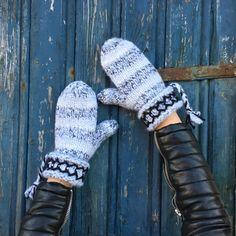 Swedish Lovikka mittens hand knitted wool nordic by JezebelAdrian