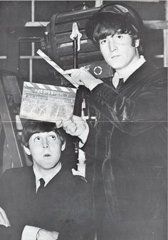 Paul and John on the centrefold for Beatles Book Monthly, issue 10 Beatles Band, Beatles Love, Les Beatles, John Lennon Beatles, Beatles Funny, Beatles Photos, The Four Loves, The Fab Four, Great Bands