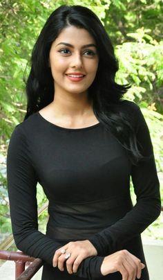 Hot are sexy Girl Beautiful Girl Photo, Beautiful Girl Indian, Most Beautiful Indian Actress, Gorgeous Girls Body, Cute Beauty, Beauty Full Girl, Beauty Women, Foto Art, Beautiful Bollywood Actress