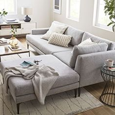 #ContemporaryLivingRoomFurniture Living Room Grey, Small Living Rooms, Living Room Sofa, Home Living Room, Living Room Furniture, Living Room Decor, Condo Living, Apartment Living, Small Sectional Couch