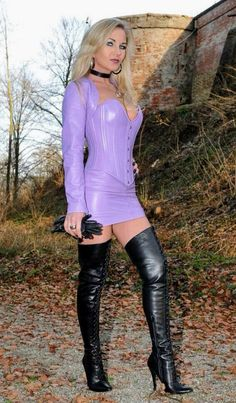 High Leather Boots, Leather Corset, Vinyl Dress, Vinyl Clothing, Leder Outfits, Thigh High Boots Heels, Leather Dresses, Dress With Boots, Leather Fashion