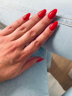 Almond Nails Red, Acrylic Nails Almond Short, Natural Almond Nails, Rounded Acrylic Nails, Red Gel Nails, Red Stiletto Nails, Almond Acrylic Nails, White Nails, Red Manicure