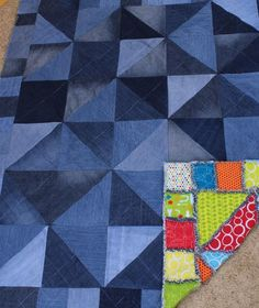 Half Square Triangle Rag Quilt via Craftsy Rag Quilt, Quilt Blocks, Quilting Projects, Quilting Designs, Denim Quilt Patterns, Bag Patterns, Baby Quilts To Make, Blue Jean Quilts, Patchwork Jeans