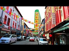 Things To Do In Chinatown Singapore - WATCH VIDEO HERE -> http://singaporeonlinetop.info/travel/things-to-do-in-chinatown-singapore/    Chinatown in Singapore is an awesome place to visit, but what do you do once you get there? Plenty of places to see and lots of activities to do. Nice places to see in Chinatown: 1. Buddha Tooth Relic Temple 2. Thian Hock Keng Temple 3. Chinatown Heritage Centre 4. Sri Mariamman Temple 5....