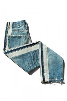 Denim insulation is absolutely a green choice. Recycled blue jean insulation, such as other cotton insulations, can include a greater cost of purchase Estilo Denim, Estilo Rock, Denim Fashion, Look Fashion, Fall Fashion, Fashion Tips, Amo Jeans, Denim Jeans, Hippie Vintage