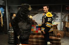 The Bear and Patrice! Bruins Hockey, Hockey Players, Ice Hockey, Boston Bruins, Boston Red Sox, Dont Poke The Bear, Patrice Bergeron, Bobby Orr, Stanley Cup Champions