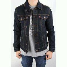 Jaket jeans keren ini bisa kamu miliki hanya dengan Rp160.000 saja   5b3dc36af4