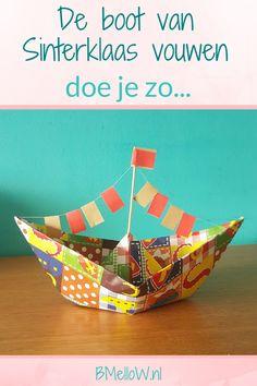 De boot van Sinterklaas vouwen doe je zo. BMelloW.nl (1) Diy For Kids, Cool Kids, Crafts For Kids, Fall Outfits Pinterest, St Nicholas Day, 3 Year Old Activities, Fun Craft, Cute Boots, Decorative Bowls
