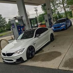 BMW F82 M4 white F80 M3 blue