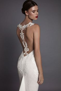 MUSE by Berta Fall 2017 Bridal Collection presents feminine wedding dresses with modern vibes. They are a dream come true for the fashion-forward bride. Backless Wedding, Wedding Gowns, Muse By Berta, 2017 Bridal, 2017 Wedding, Wedding Pl, Irish Wedding, Wedding Ideas, Dresses Elegant