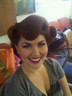 Freaking fabulous Rockabilly hair!!