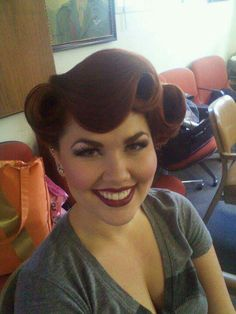 Amazing pin-up style hair