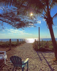 Best Time To Visit Florida ? Sanibel Island, Dream Vacations, Vacation Spots, Visit Florida, I Love The Beach, Peaceful Places, Beach Scenes, Ocean Beach, Captiva Beach