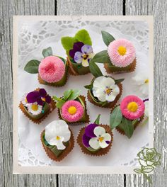 Floral Petit Fours  From Home And Garden (NL)